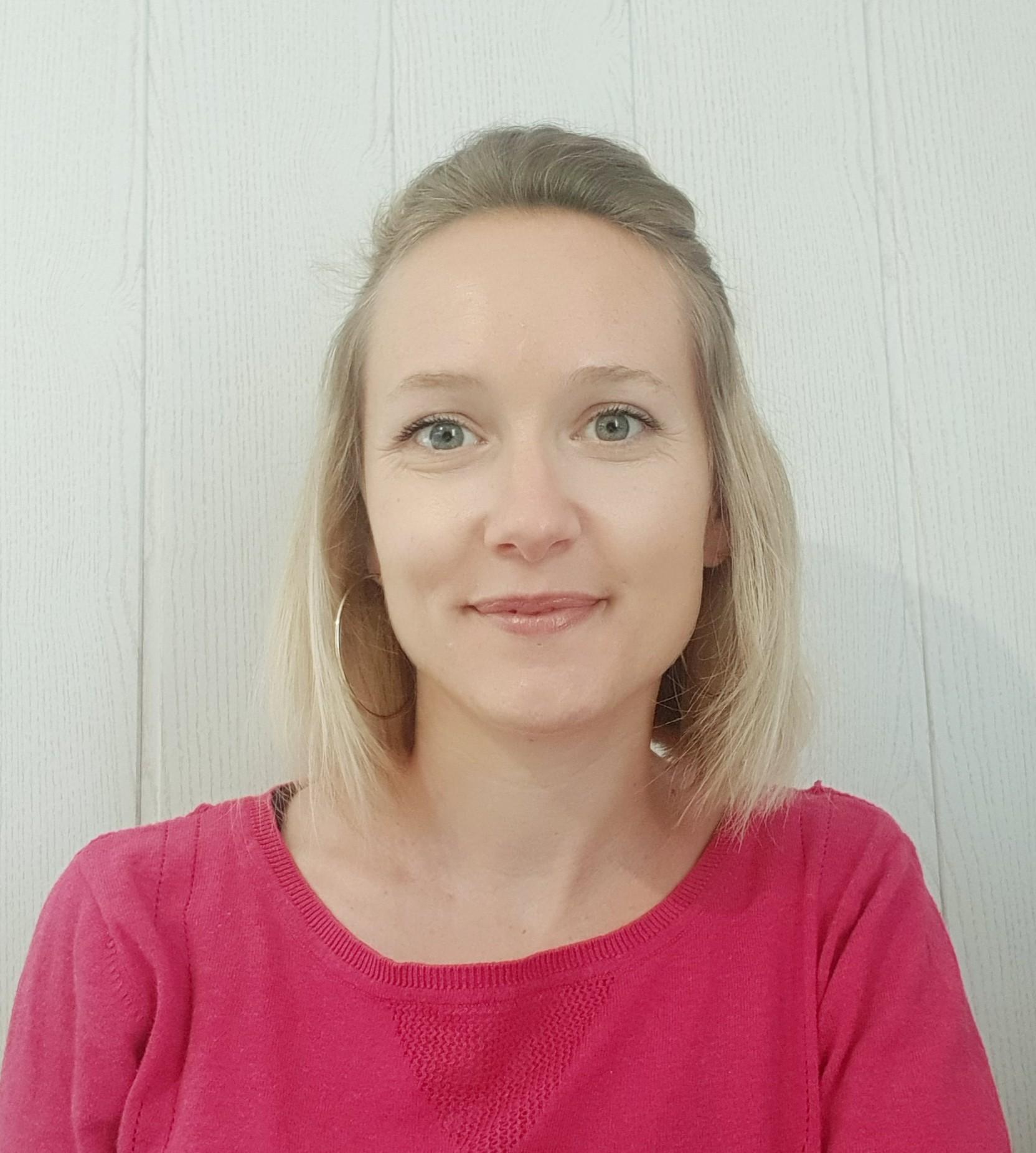 LAURA_BENNEVAULT